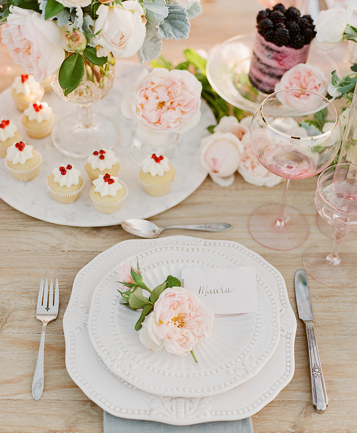 lauren conrad and maura mcmanus floral placesetting