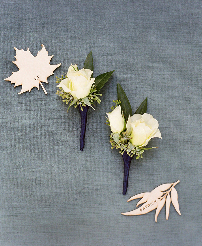 napa wedding navy boutonnieres