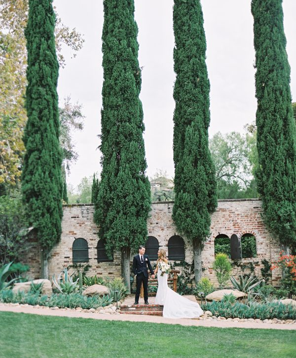 Hummingbird Nest Ranch Wedding | Photo © Braedon Flynn
