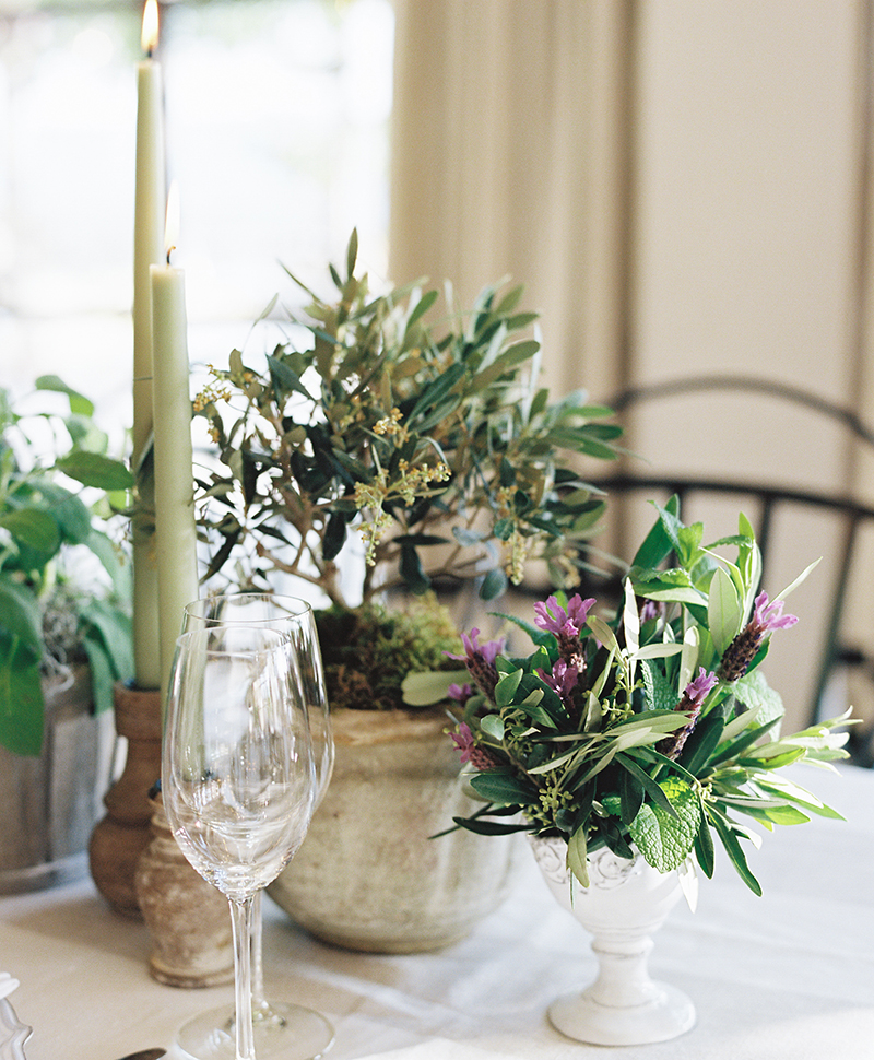 Flutter Magazine - fresh herb table runner