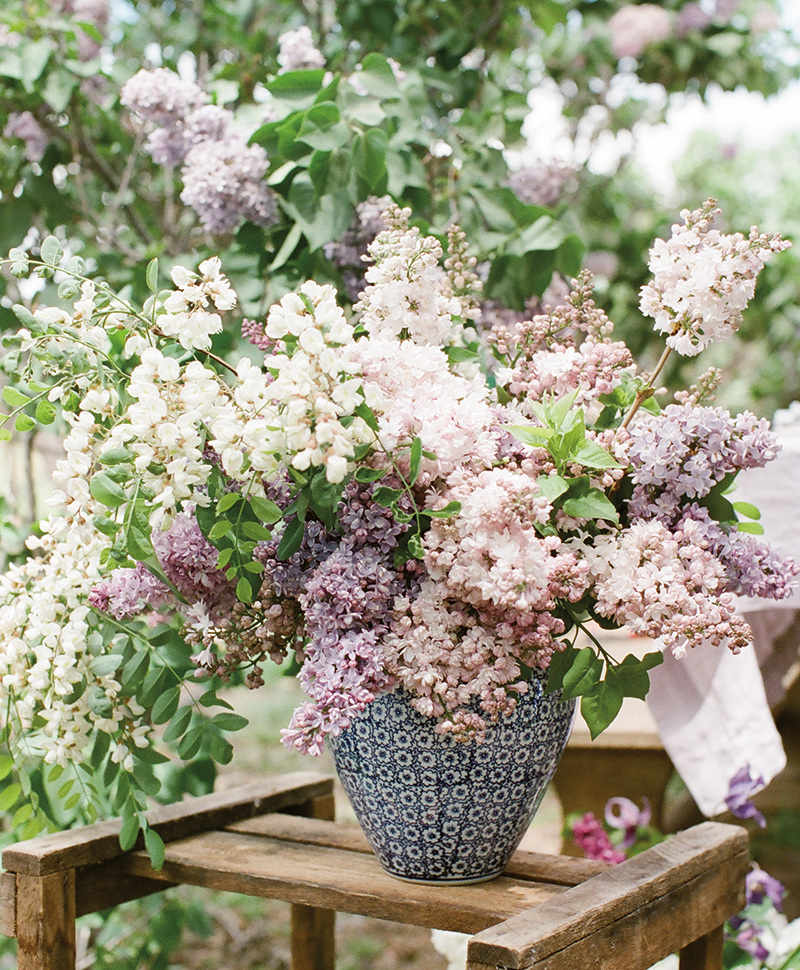Flutter Magazine - lilac flower arrangements with flower wild